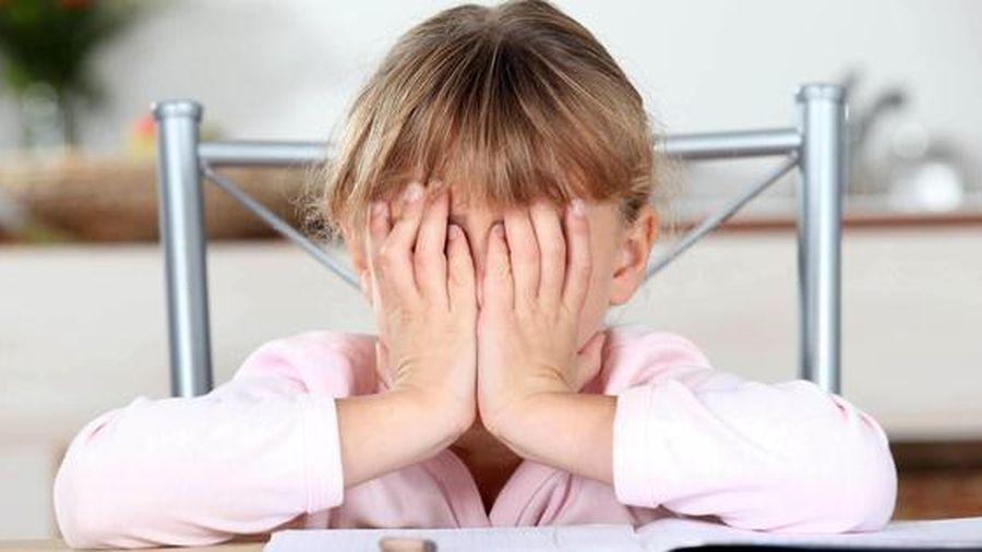 Bé gái 13 tuổi uống thuốc trừ sâu tự tử vì bị bạn chọc ghẹo trên lớp