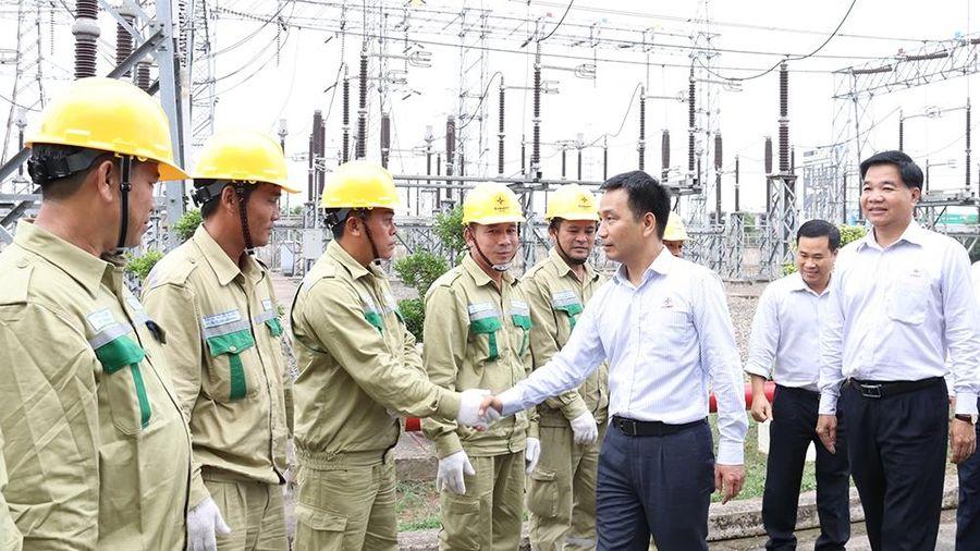 Lãnh đạo EVNNPT kiểm tra việc cấp điện Tết Nguyên đán tại Truyền tải điện Miền Đông 1