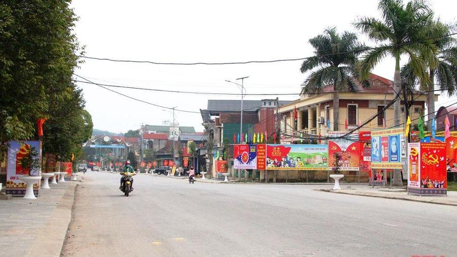 Huyện Như Xuân rực rỡ cờ, hoa trước ngày khai mạc Đại hội Đại biểu toàn quốc lần thứ XIII của Đảng