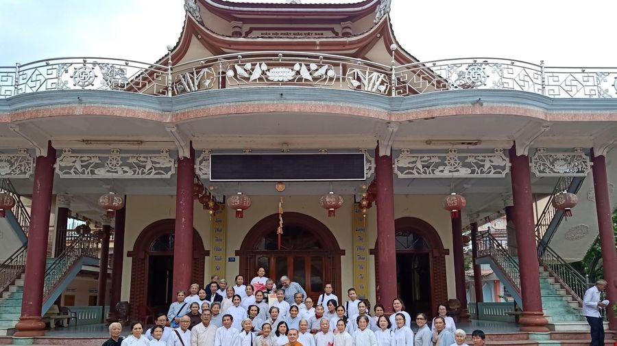 Bình Định: Khóa tu 'Bát Quan trai' cuối năm tại tịnh xá Ngọc Duyên