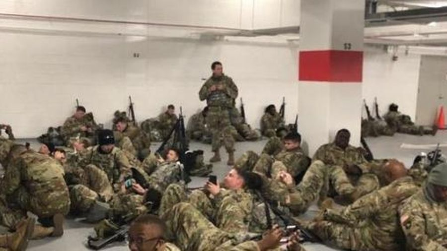 Sau lễ nhậm chức, hàng nghìn vệ binh quốc gia Mỹ phải ngủ ở hầm để xe