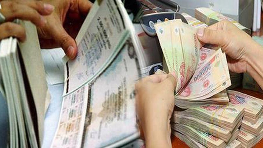 Dự nợ tín dụng và trái phiếu bất động sản tiềm ẩn nhiều rủi ro