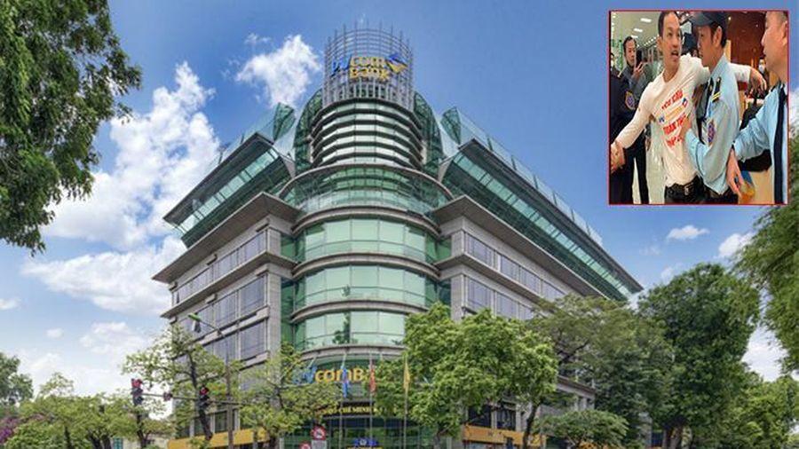 'Đóng băng' 52 tỷ đồng tiết kiệm của khách, PVcomBank nói gì?