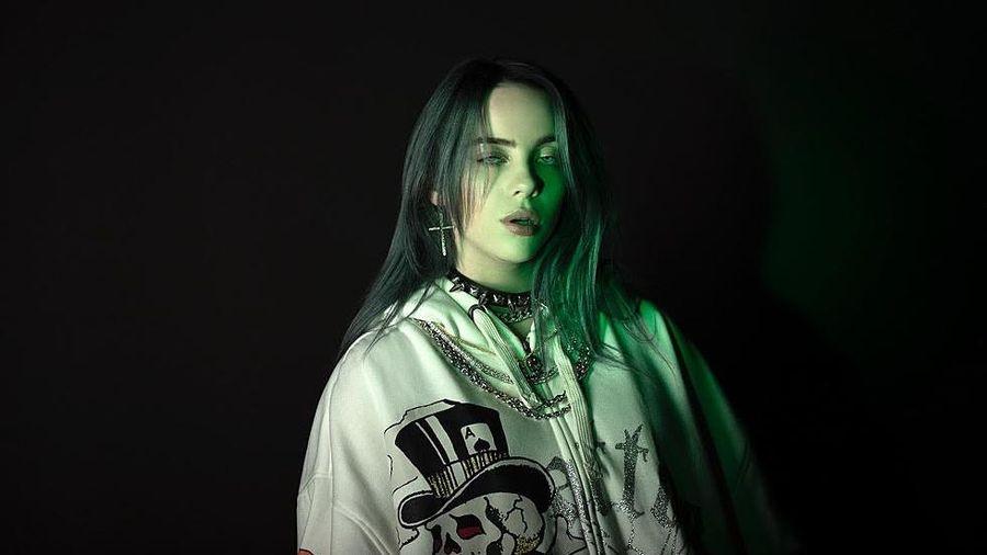 Billie Eilish tung ca khúc nhạc phim mới toanh, hát luôn tiếng Tây Ban Nha cực ngầu!