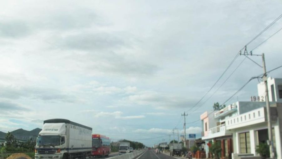 Bộ GTVT trả lời việc mở rộng quốc lộ 1 qua Bình Định