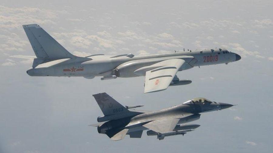Hàng loạt máy bay Trung Quốc áp sát Đài Loan
