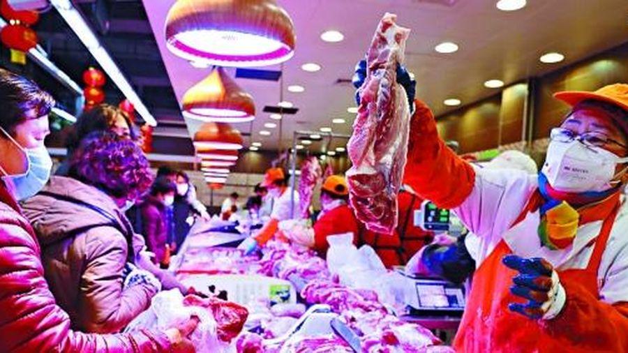 Giá thịt lợn và rau quả tại Trung Quốc tăng mạnh trước tết