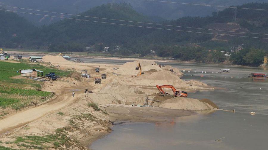 Nghịch lý thanh kiểm tra khai thác cát tại Quảng Nam: Thanh tra ít người, chạy không xuể?