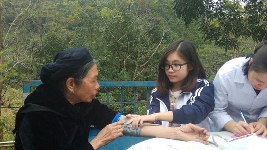 Nữ sinh ĐH Y - Dược thành công nhờ 'nghiêm khắc với bản thân'