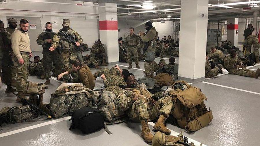 Vụ Vệ binh Quốc gia Mỹ phải nghỉ ở hầm để xe: Tổng thống Biden lên tiếng xin lỗi