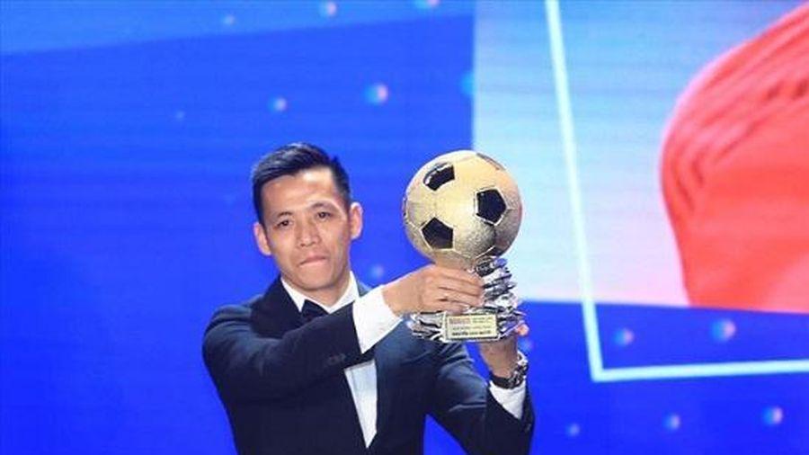 Văn Quyết nhận danh hiệu Vận động viên xuất sắc nhất Việt Nam năm 2020