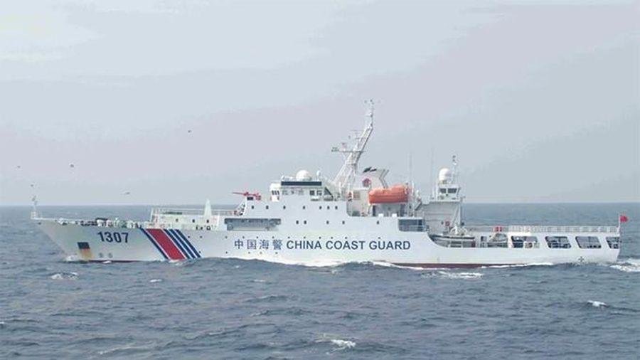 Trung Quốc cho phép hải cảnh sử dụng vũ khí với tàu nước ngoài, truyền thông quốc tế 'dậy sóng'