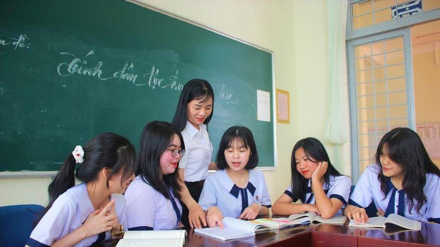 Học sinh chuyên Toán đoạt giải nhất môn Văn