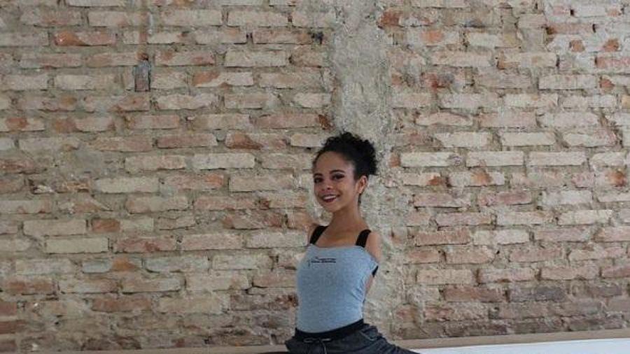 Bé gái 16 tuổi không tay trở thành vũ công ba lê, chứng mình mọi điều đều có thể