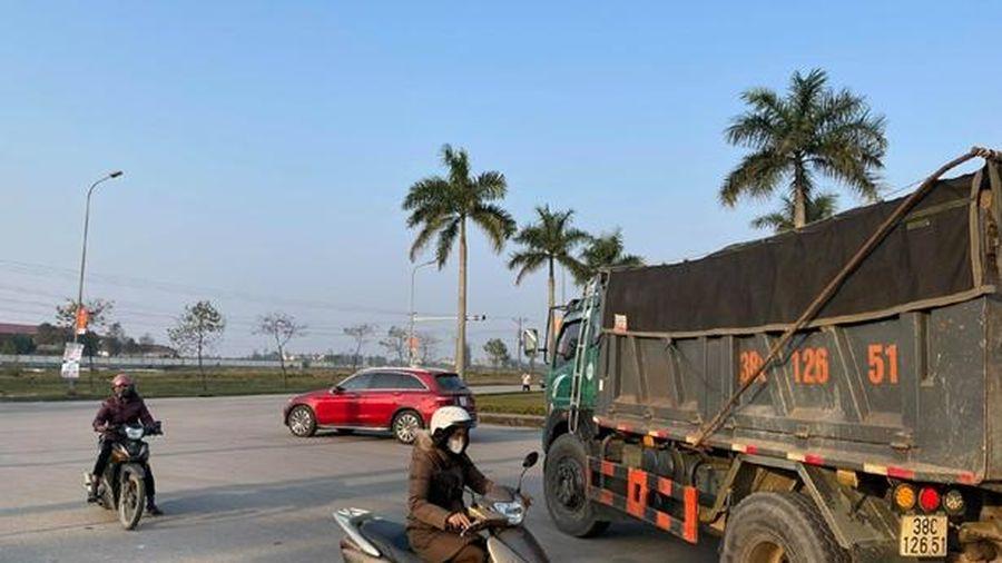 Đèn giao thông 'làm khó' người đi đường tại TP Hà Tĩnh
