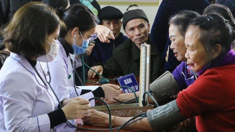 Khám, cấp phát thuốc miễn phí cho 200 người dân thành phố Hà Tĩnh
