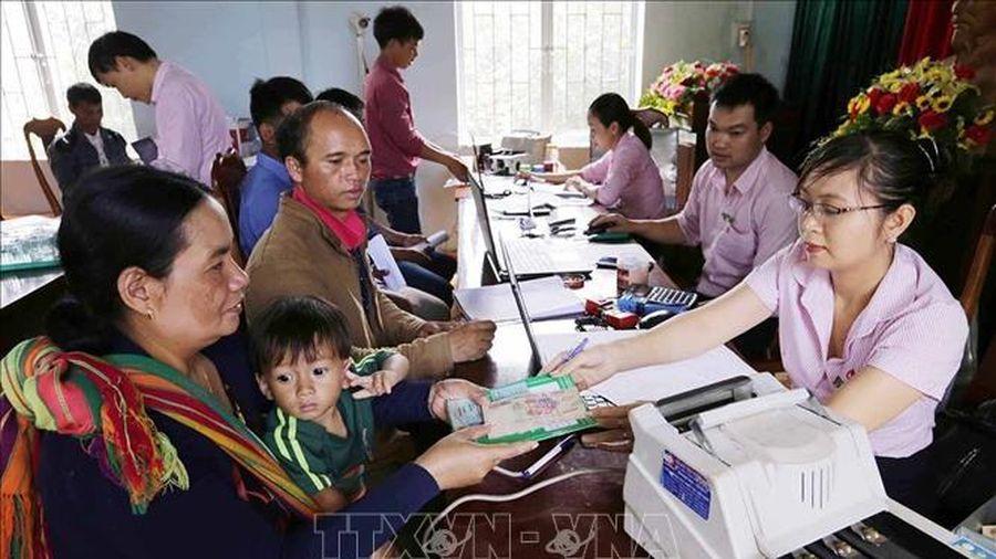 Tiếp tục giải ngân tín dụng đối với hộ mới thoát nghèo