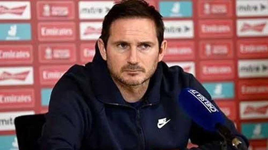 Lampard 'nổi điên', dạy dỗ phóng viên về cách làm báo 'có tâm'