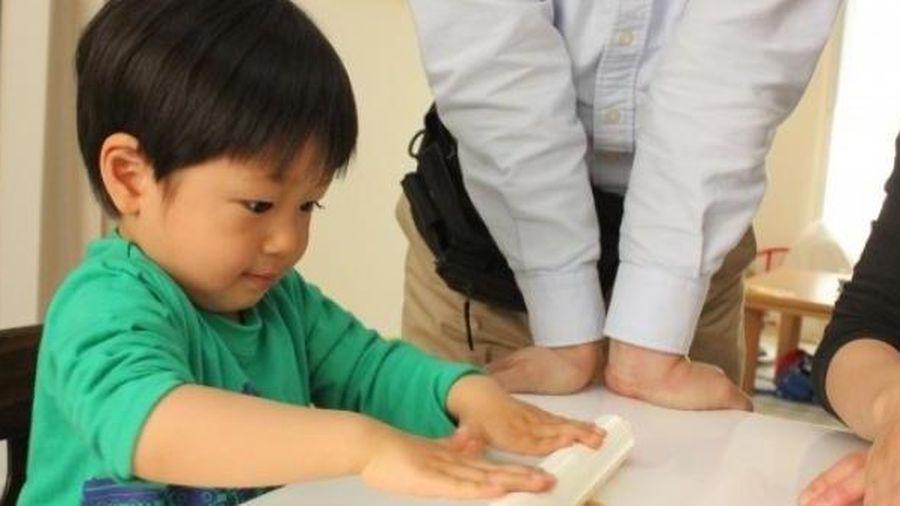 Nếu có con trai, cần dạy 4 kỹ năng này trước 6 tuổi