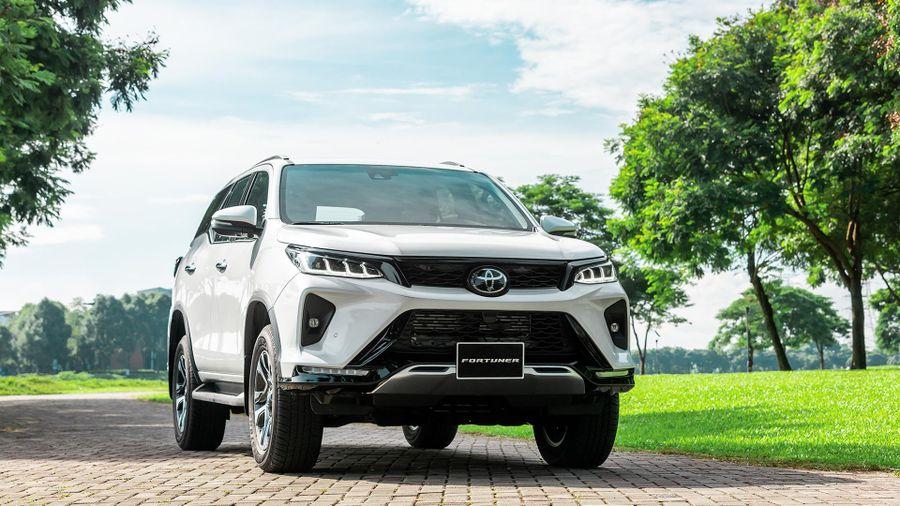 Triệu hồi gần 12.000 xe ô tô Toyota tại Việt Nam