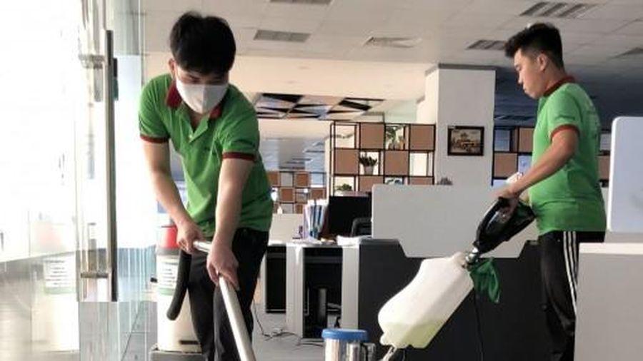 Dịch vụ vệ sinh 'vào mùa'