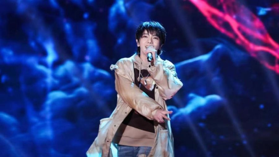 Hot: 'Quái kiệt' làng nhạc Hoa ngữ Hoa Thần Vũ xác nhận có con với Trương Bích Thần