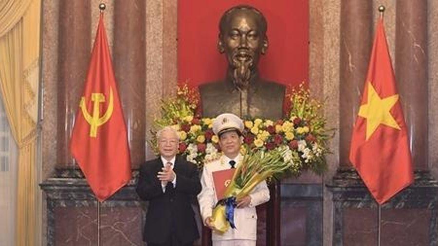 Trao Quyết định thăng cấp bậc hàm Thượng tướng đối với Thứ trưởng Nguyễn Văn Sơn