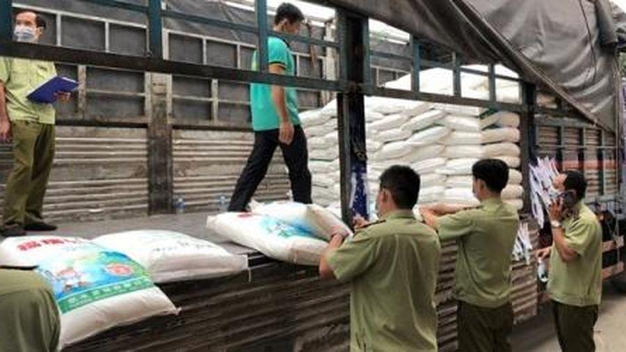 TP.HCM: Thu giữ gần 45 tấn bột ngọt có chữ Trung Quốc