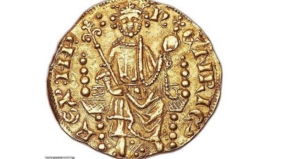 Đồng tiền xu cổ khắc họa chân dung nhà vua Henry III