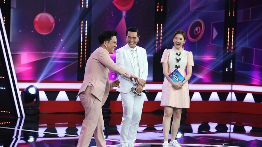 Nguyễn Hưng bất ngờ xuất hiện tại 'Siêu bất ngờ'