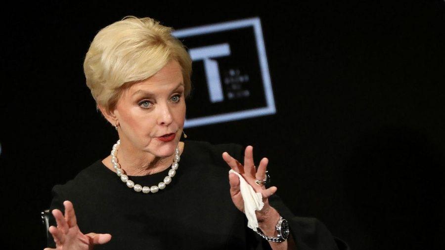 Bà McCain mỉa mai sự khiển trách từ đảng Cộng hòa