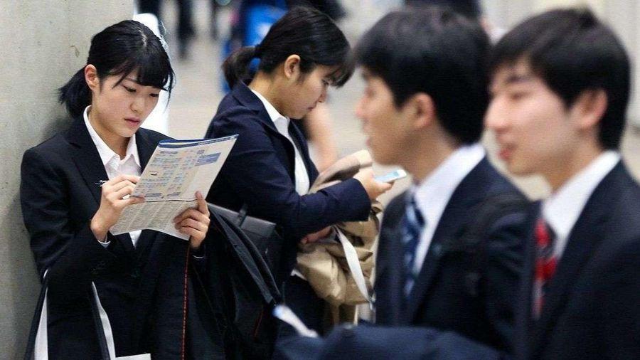 Cuộc chiến săn việc phân biệt nam nữ ở Nhật Bản