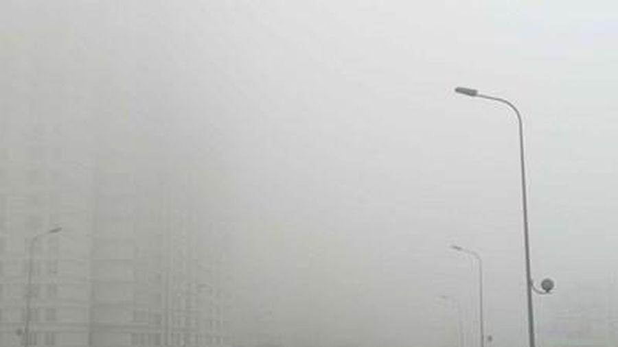 Khu vực Bắc Bộ sáng sớm và đêm có mưa phùn và sương mù