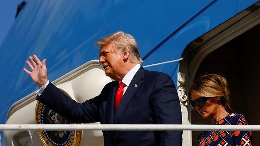 Ông Trump vỡ mộng được đặt tên mình cho sân bay ở quê nhà