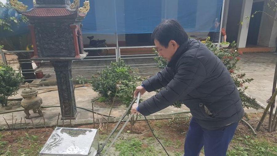 Thầy giáo Hà Tĩnh mày mò tái chế động cơ máy giặt cũ thành máy lau nhà tiện lợi