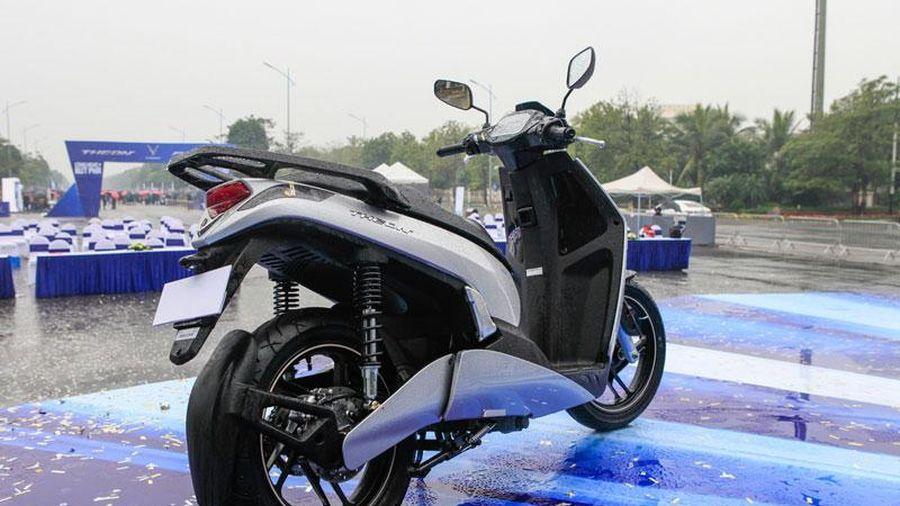 Ngắm VinFast Theon giá 63,9 triệu đồng, cạnh tranh với Honda SH