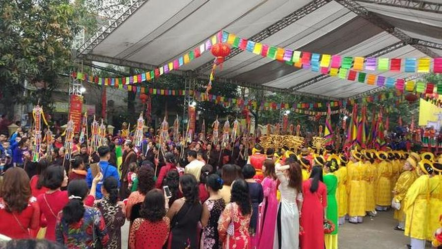 Về Kẻ Noi - thăm Làng May truyền thống nhân ngày Giỗ Tổ