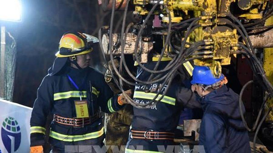 Trung Quốc giải cứu được người đầu tiên trong vụ sập mỏ vàng tại Sơn Đông