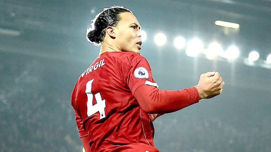 Liverpool ưu tiên gia hạn với Van Dijk
