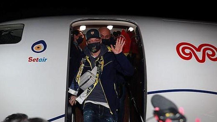 Vì Mesut Ozil, Fenerbahce phải 'cầu cứu' CĐV