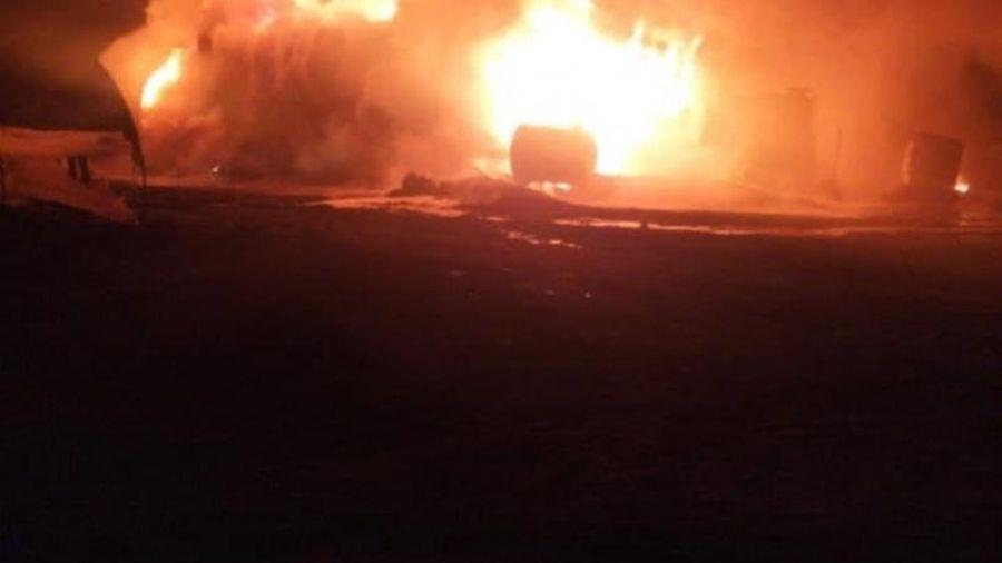 UAV Nga tấn công phá hủy kho dầu lớn nhất của phiến binh ở Tây Bắc Syria?