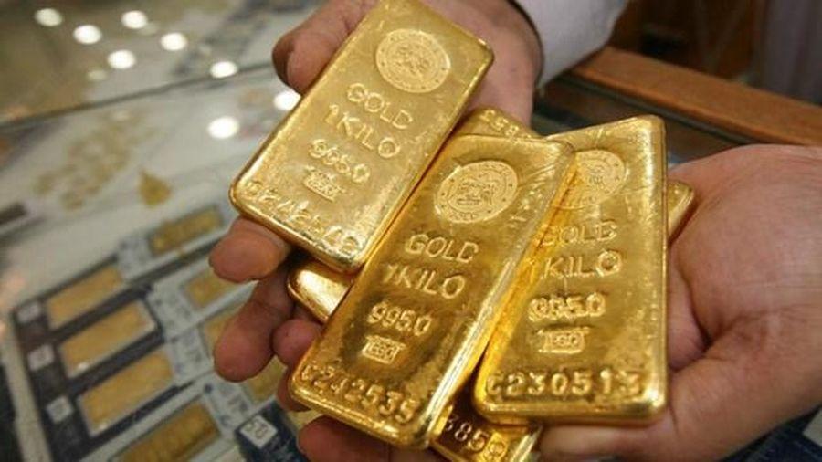 Bất ngờ khi giá vàng 'gấp rút' đi xuống