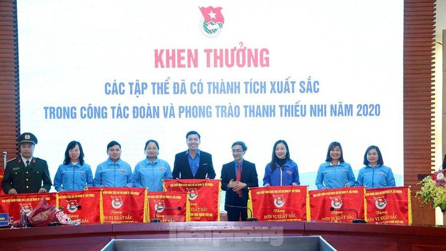 10 tập thể xuất sắc ở Hải Phòng nhận cờ thi đua của Trung ương Đoàn