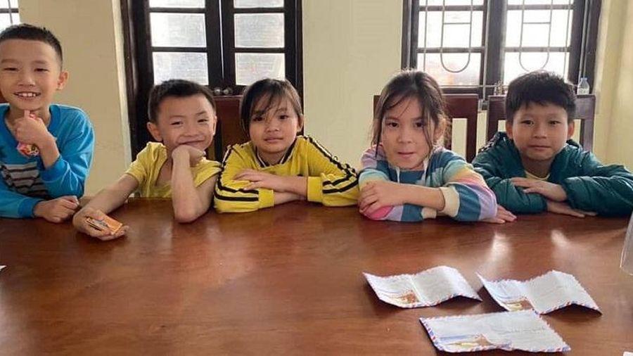 Nhóm học sinh tiểu học nhặt được 5 triệu đồng, nộp công an trả cho người mất