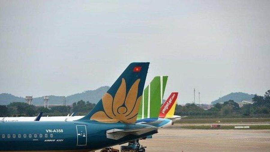 Cục Hàng không VN 'tuýt còi' các hãng bán vé máy bay vượt quá slot
