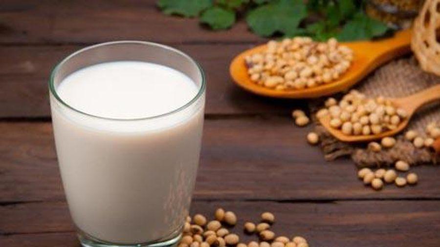 Những người không nên uống sữa đậu nành