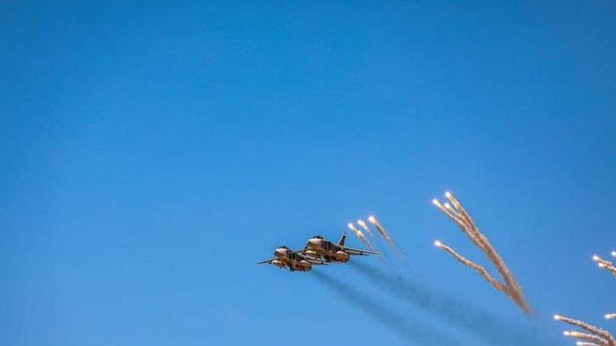 Máy bay ném bom Su-24 của Nga được LNA đưa vào biên chế?