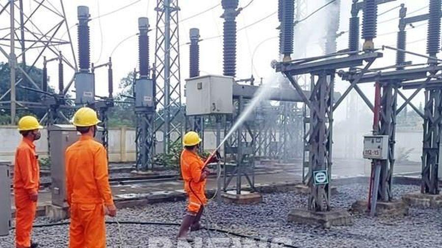 Điện lực Quảng Bình tăng tần suất vệ sinh hotline