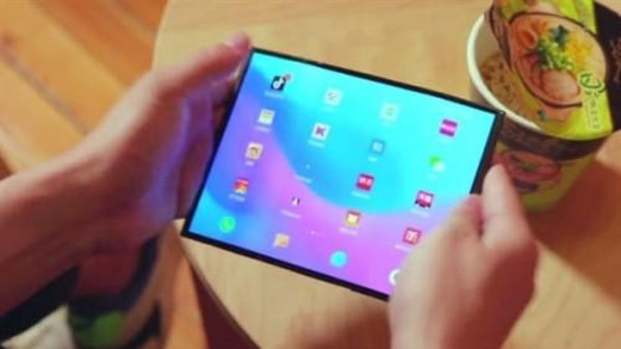 Lộ ảnh thực tế điện thoại màn hình gập Xiaomi Mi MIX 4