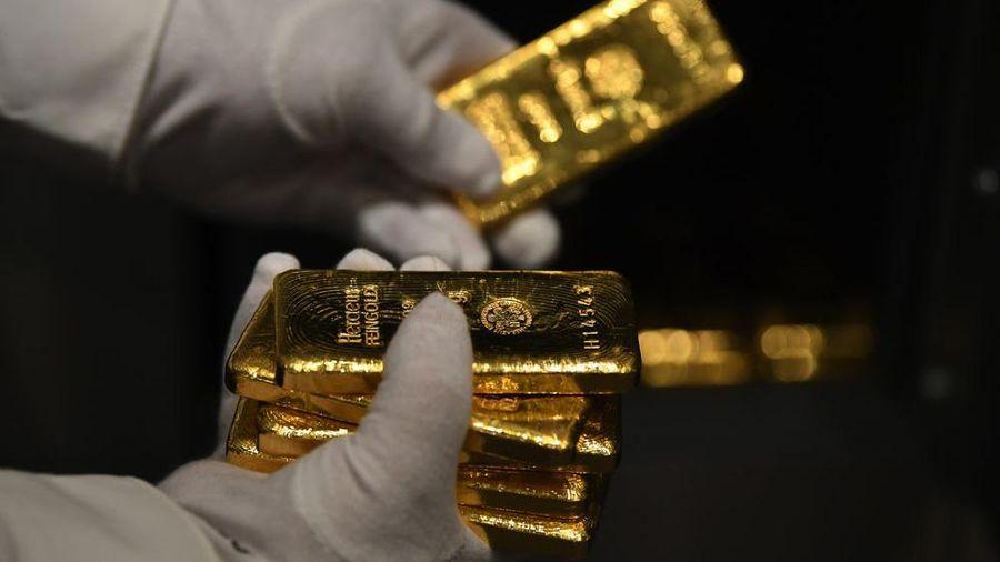 Giá vàng đợi 'chất xúc tác', USD tự do nhảy qua mốc 23.600 đồng